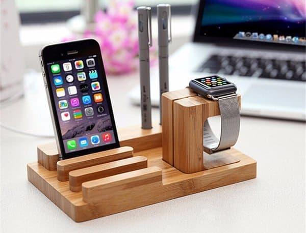 Деревянный органайзер для гаджетов Apple
