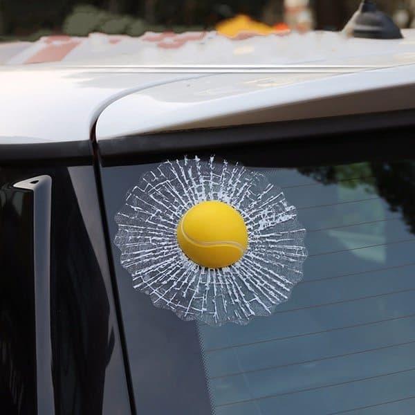 """Украшение """"Мячик в окне"""""""