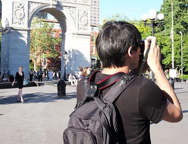 Ремень для фотоаппарата, снимающий нагрузку с шеи