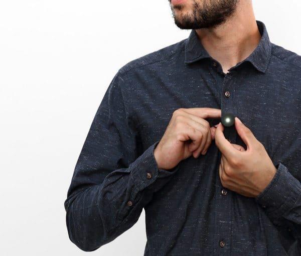 Миниатюрный нагрудный фонарик с магнитным креплением