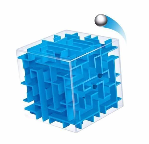 Головоломка в виде кубического лабиринта