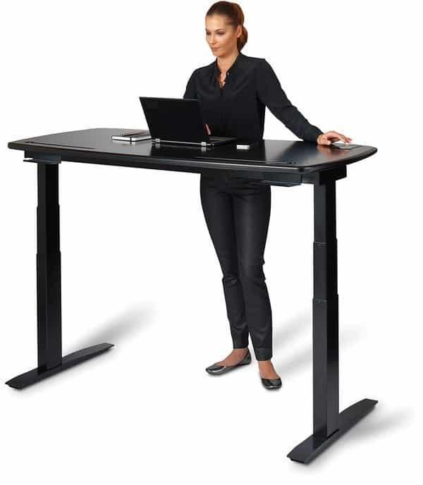 Стол, оборудованный сенсорным управлением Stir Kinetic
