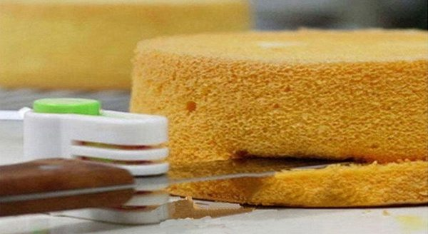 Фиксатор ножа для послойной нарезки тортовых коржей