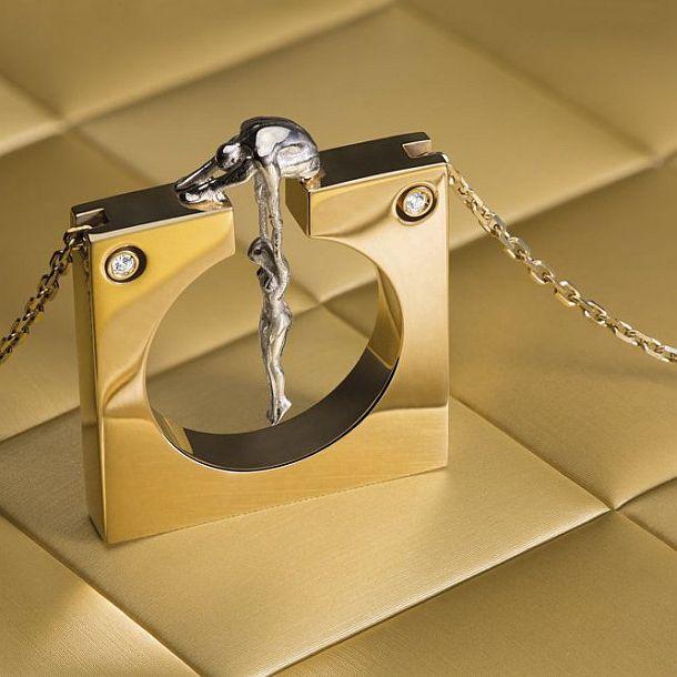 Золотой кулон Gravity
