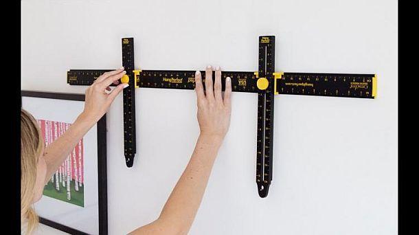 Инструмент для ровного подвешивания предметов на стену