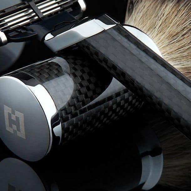 Комплект для бритья из углеродистого волокна