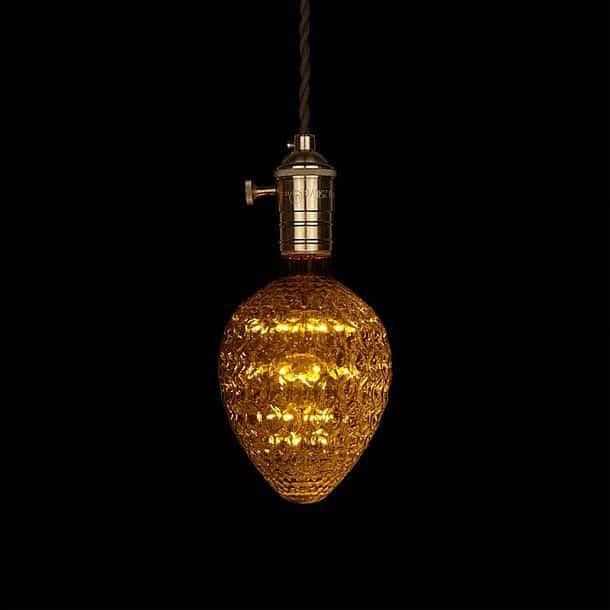 Лампочка в форме клубники