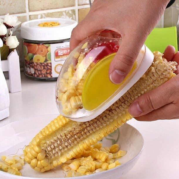Прибор для быстрого отделения зерен кукурузы от початков