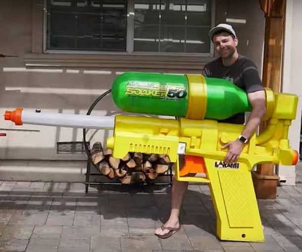 Самый большой в мире водоструйный пистолет