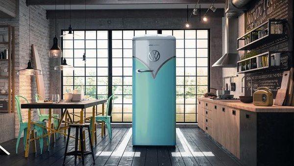 Холодильник в дизайне классического фургончика VW
