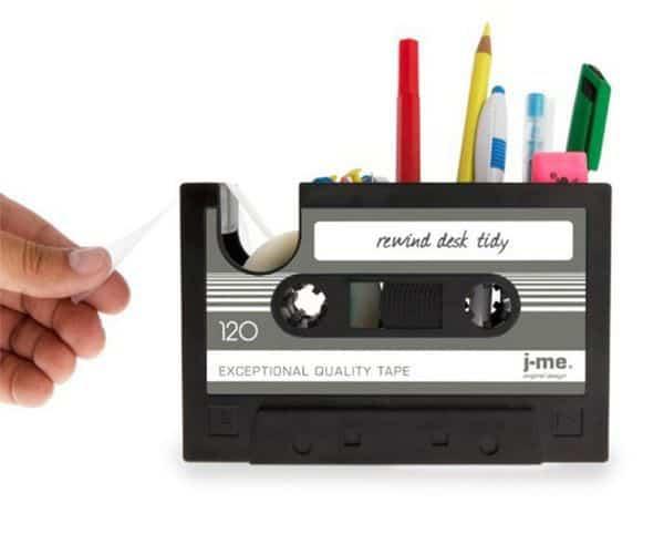 Настольный органайзер в виде аудиокассеты