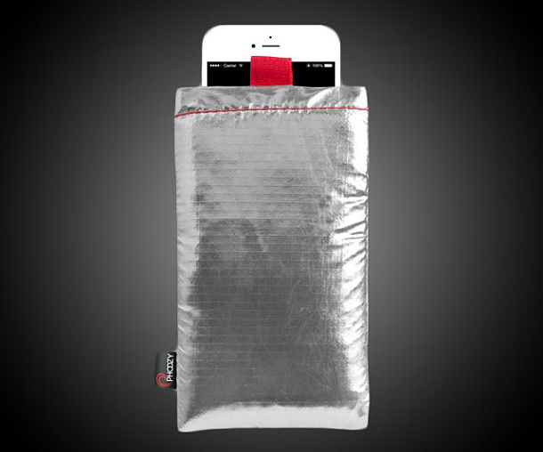 Защитная термокапсула для смартфонов Phoozy