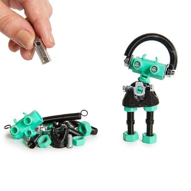 Набор деталей для сборки робота
