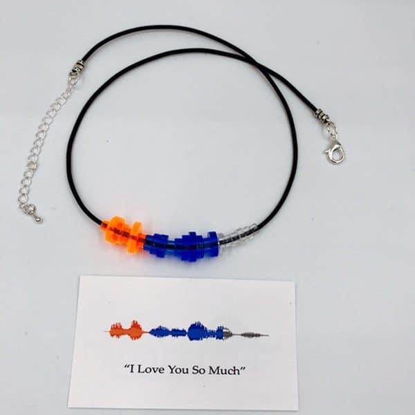 Ожерелье с шармом в виде звуковых волн