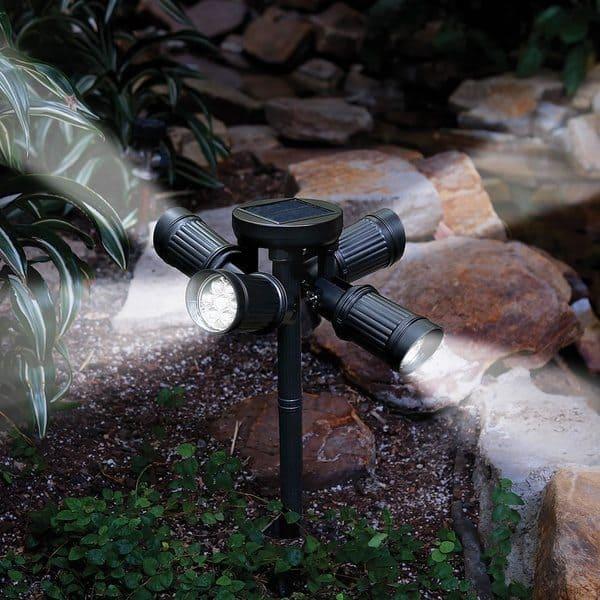 Многонаправленный садовый светильник на солнечной панели