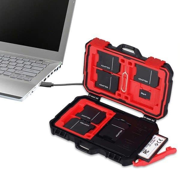 Кейс для карт памяти со встроенным кардридером Lynca