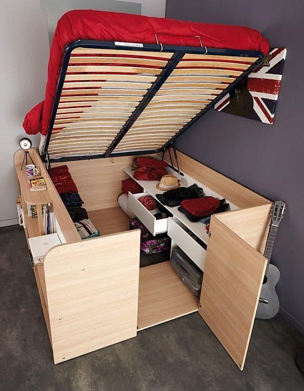 Кровать с потайной кладовой комнатой Parisot