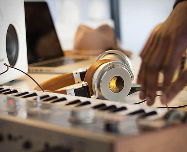 Наушники Meters OV-1 с амбушюрами и системой динамического шумоподавления ANC