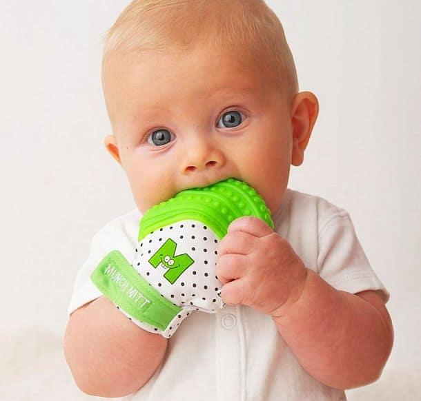 Рукавичка для младенцев с прорезывающимися зубками Munch Mitt