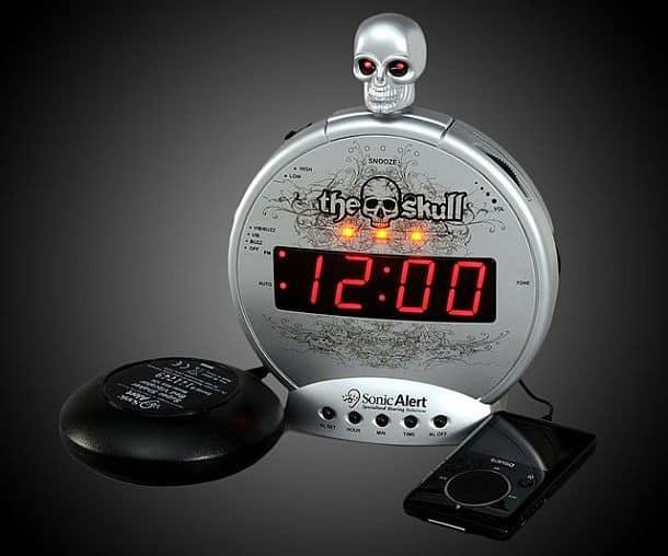 Супергромкий будильник с вибратором и черепом