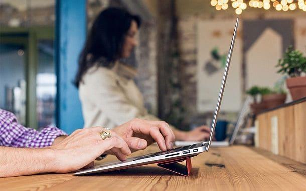 Супертонкая подставка для ноутбука MacBook