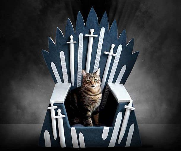 Трон для кошек Iron Throne Cat Bed