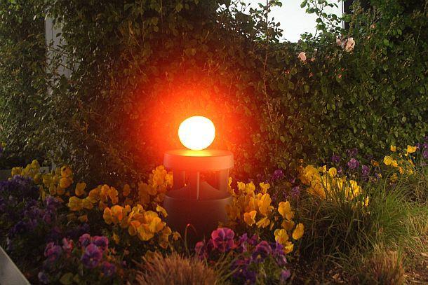 Умный портативный настольный светильник Hue Go