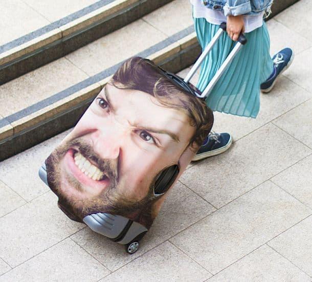 Чехол для чемодана с изображением лица хозяина