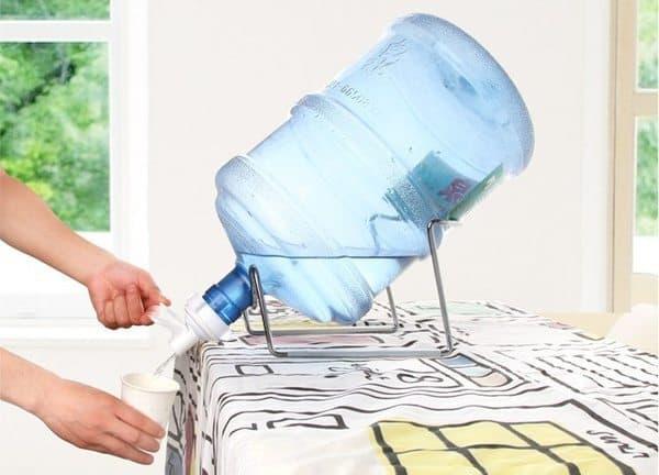 Набор для розлива воды из пластикового бочонка