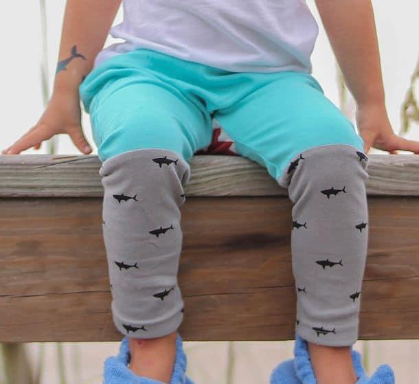 Детские брюки с изображением акулы