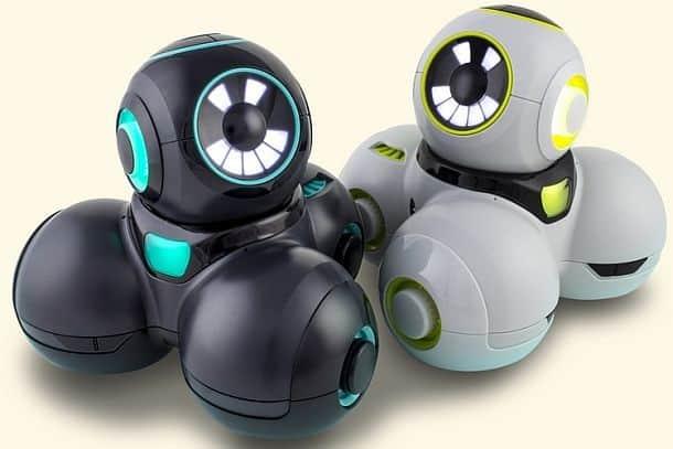 Робот Cue, обучающий основам программирования