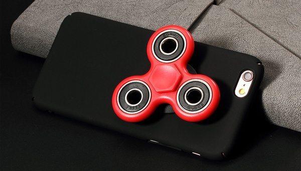 Чехол для iPhone со встроенным спиннером