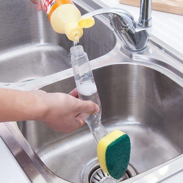 Посудная губка с резервуаром для моющего средства