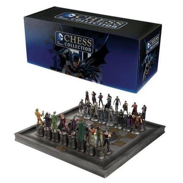 Шахматы с комикс-героями из вселенной DC