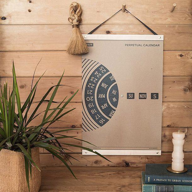 Вечный настенный календарь TAIT