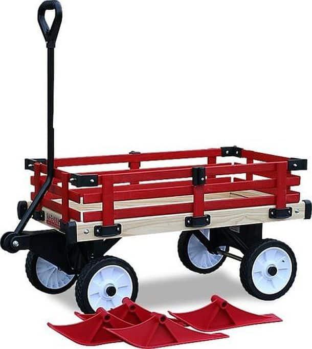 Деревянный вагончик для прогулки