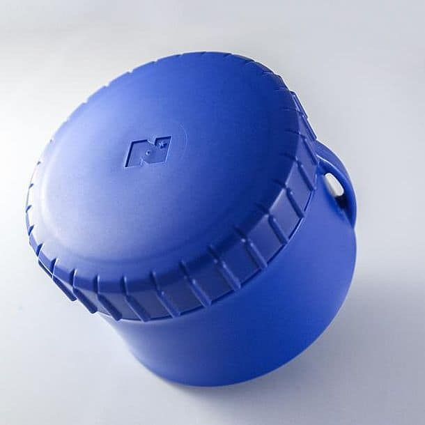 Колпачок для бутылки и место для хранения мелких предметов PACELid