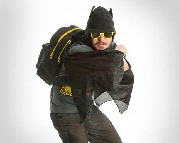 Рюкзак с капюшоном и крыльями в стиле Бэтмена