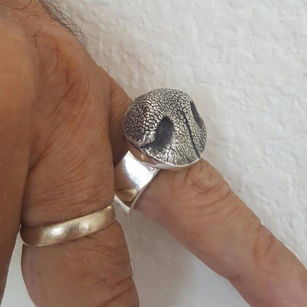 Кольцо в виде собачьего носа