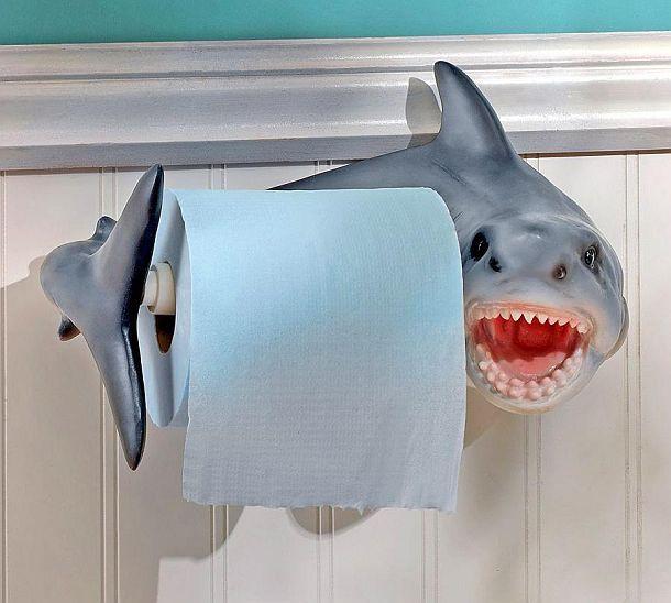 Держатель для рулонов туалетной бумаги в виде акулы Shark Attack