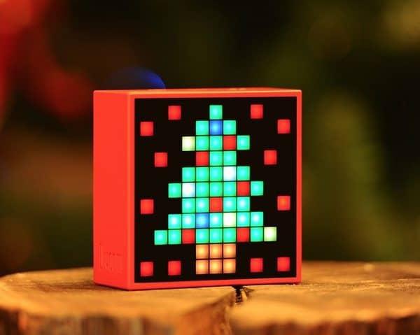 Многофункциональная пиксельная колонка Timebox
