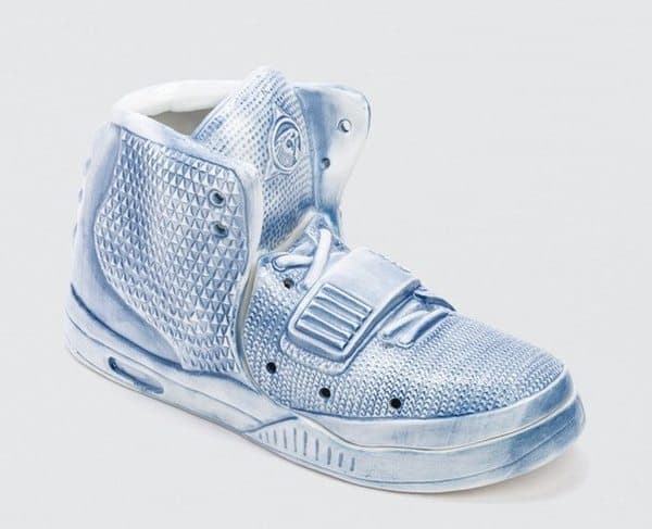 Фарфоровая ваза в виде кроссовка Nike