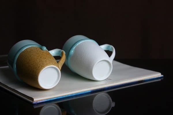 Керамическая кружка с эффектом подтёков эмали