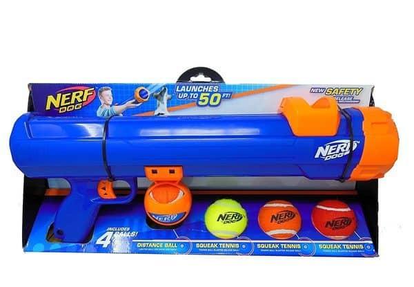 Игрушечный бластер для метания теннисных мячиков от Nerf