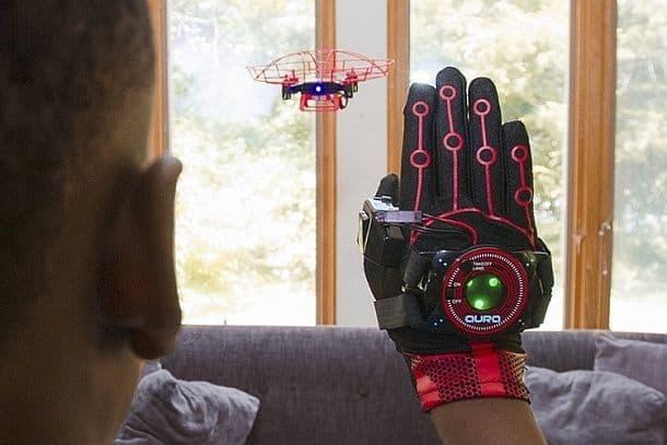 Интерактивный дрон Aura