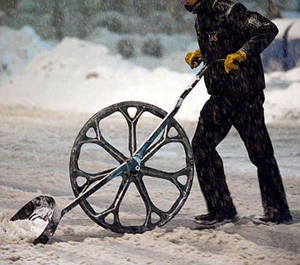Снегоочистительная лопата с колесом Snow Wolf