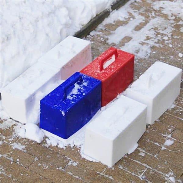 Детская формочка для изготовления снегоблоков