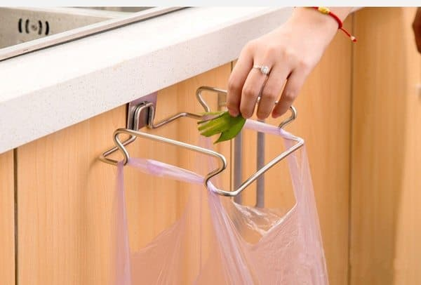Кухонный крючок для подвешивания мусорного пакета