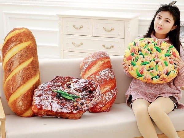 Диванные подушки в виде аппетитной еды
