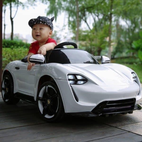 Детский спорткар